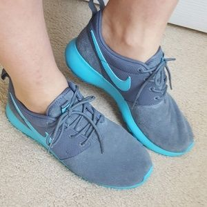NIKE Shoes Roshe Suede fits 7.5 Sneakers Teal Gray